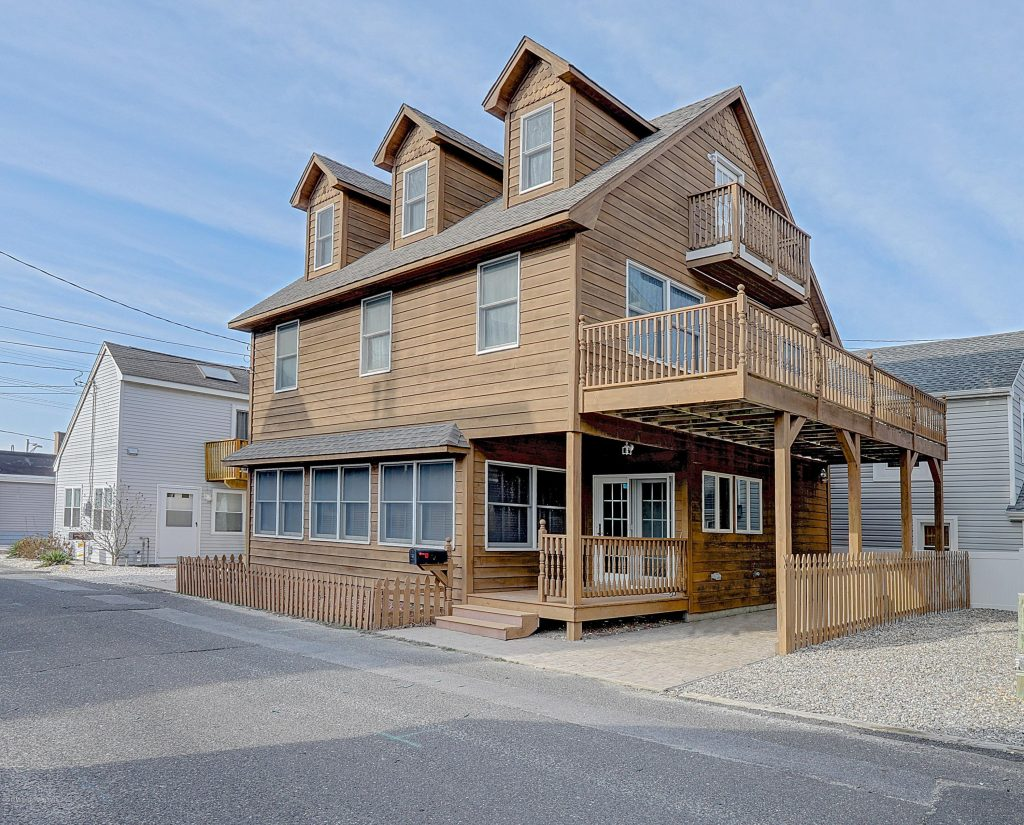 Beach Block!! Chadwick Beach. Large, Built in1996, this spacious 3bed/2bath home STEPS TO THE BEACH! 1st floor has open concept w/kitchen, dining area, family rm w/Windows galore & full bath. Ceilings are 9ft w/recessed lighting. 2nd floor has additional family rm w/ large deck with ocean views, full bath and big bedroom with HUGE walk-in closet & laundry room. 3rd floor has 2 additional bedrooms, one w/ a balcony w/views! Parking not a problem-each side of house has pavered parking spots! Central AC when you need a break from the beach!House is a perfect summer retreat! No need to pack a big cooler, walk home for lunch. Mini golf & tennis a short walk for family fun. Plenty of room for guests. TURN KEY. Start memories now, or use for rental. Make appointment today!